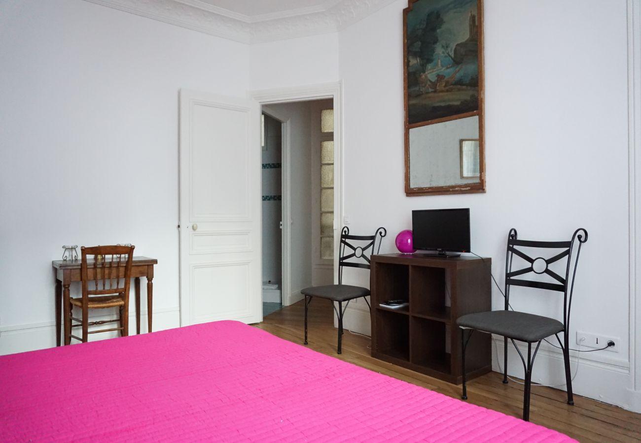 Apartment in Paris - Rue Washington - Paris 8 - 308003