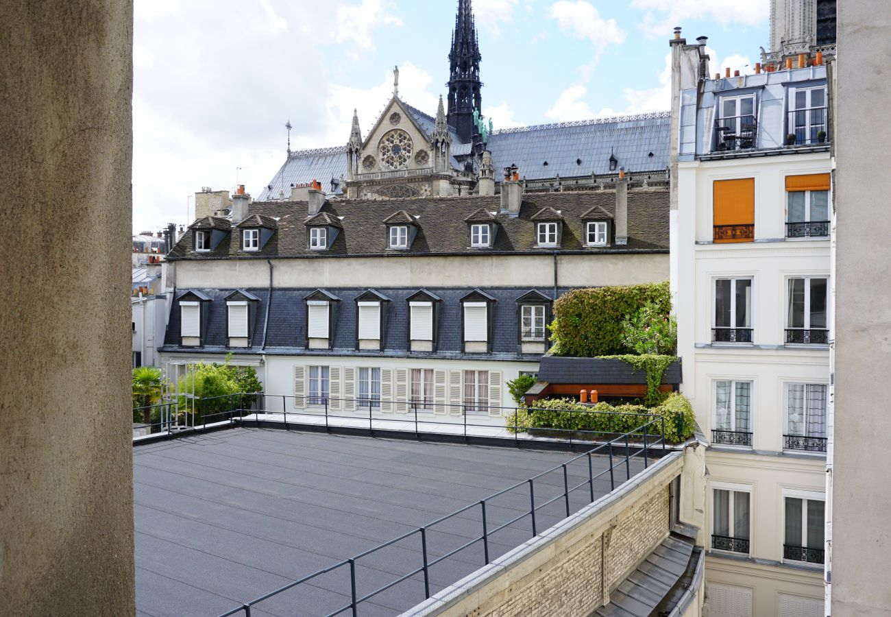 Apartment in Paris - Rue d'Arcole - Paris 4 - 204003