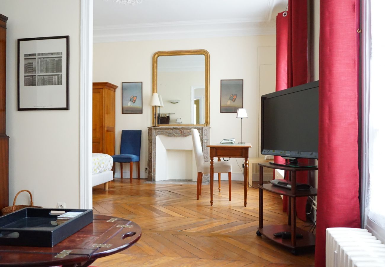 Apartment in Paris - Rue de Miromesnil - Paris 8 - 208001