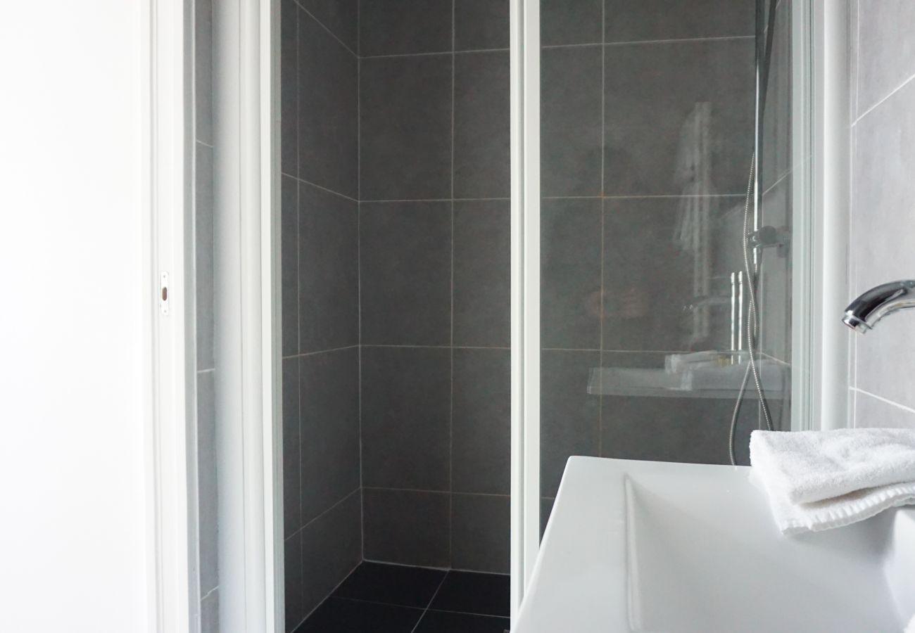Apartment in Paris - Avenue des Champs Elysées - Paris 8 - 208059