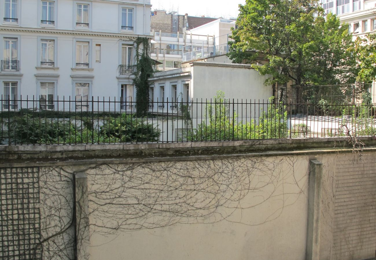 Apartment in Paris - Rue de Berri - Paris 8 - 208060