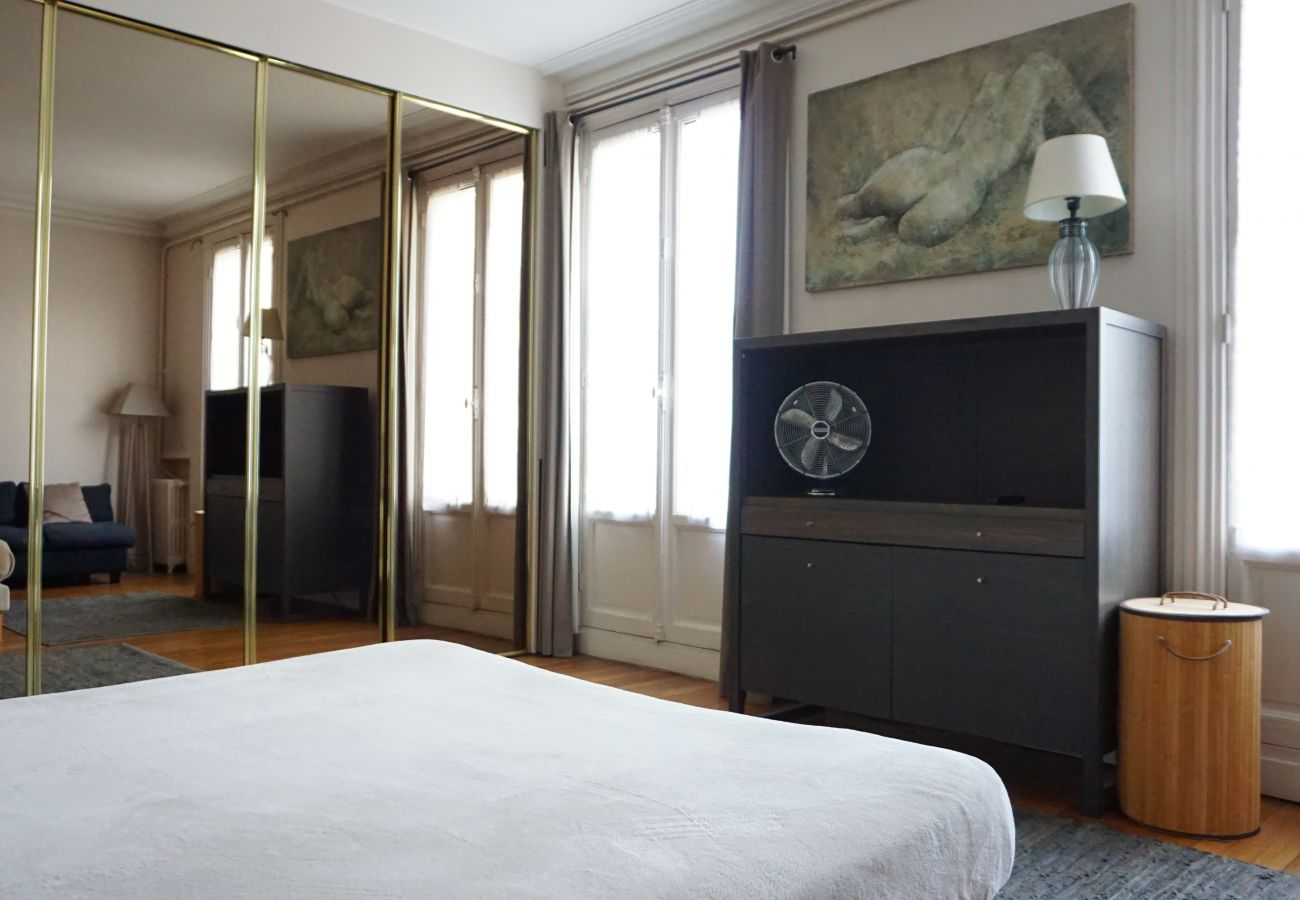 Apartment in Paris - Rue Beaujon #6 - Paris 8 - 208063