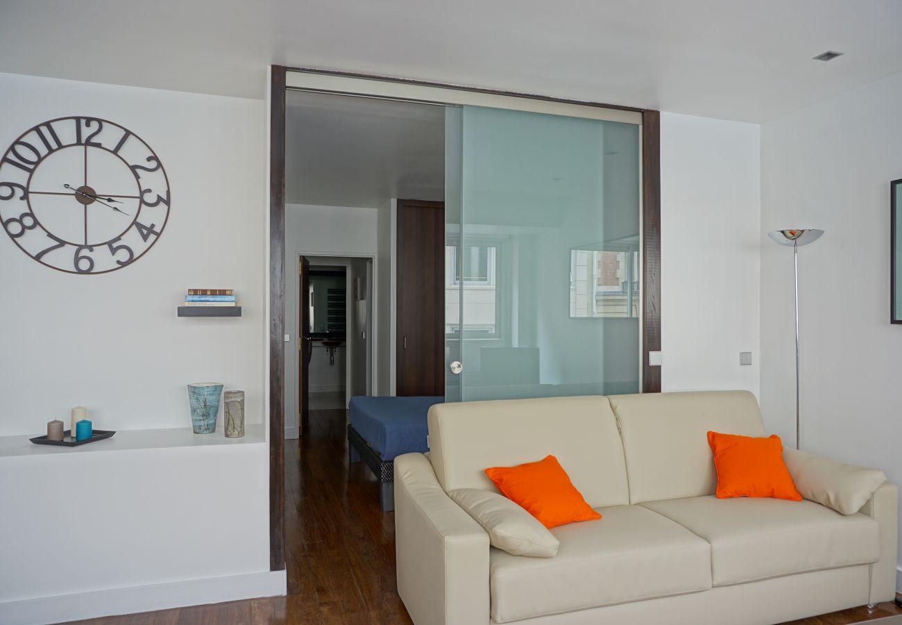 Apartment in Paris - Rue Beaujon #1 - Paris 8 - 208078