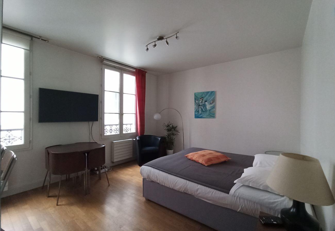 Studio in Paris - Rue Vignon - Paris 8 - 108002