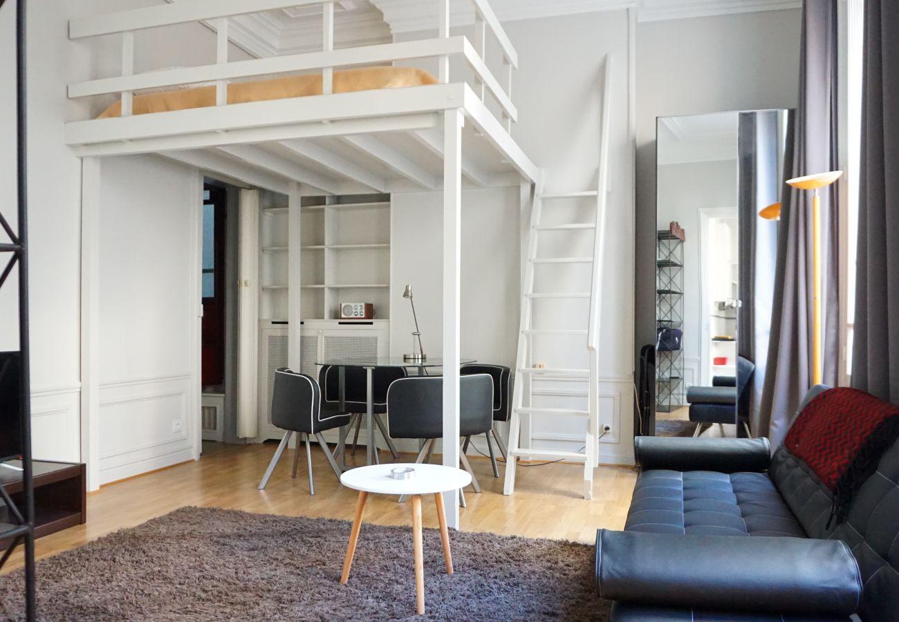Studio in Paris - Rue Paul Valéry - Paris 16 - 116050