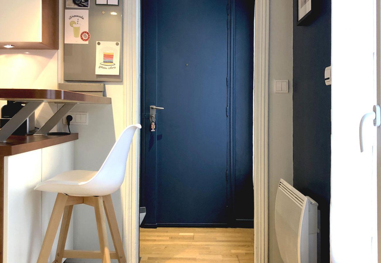 Apartment in Paris - Rue du Fbg Saint Honoré - Paris 8 - 208064