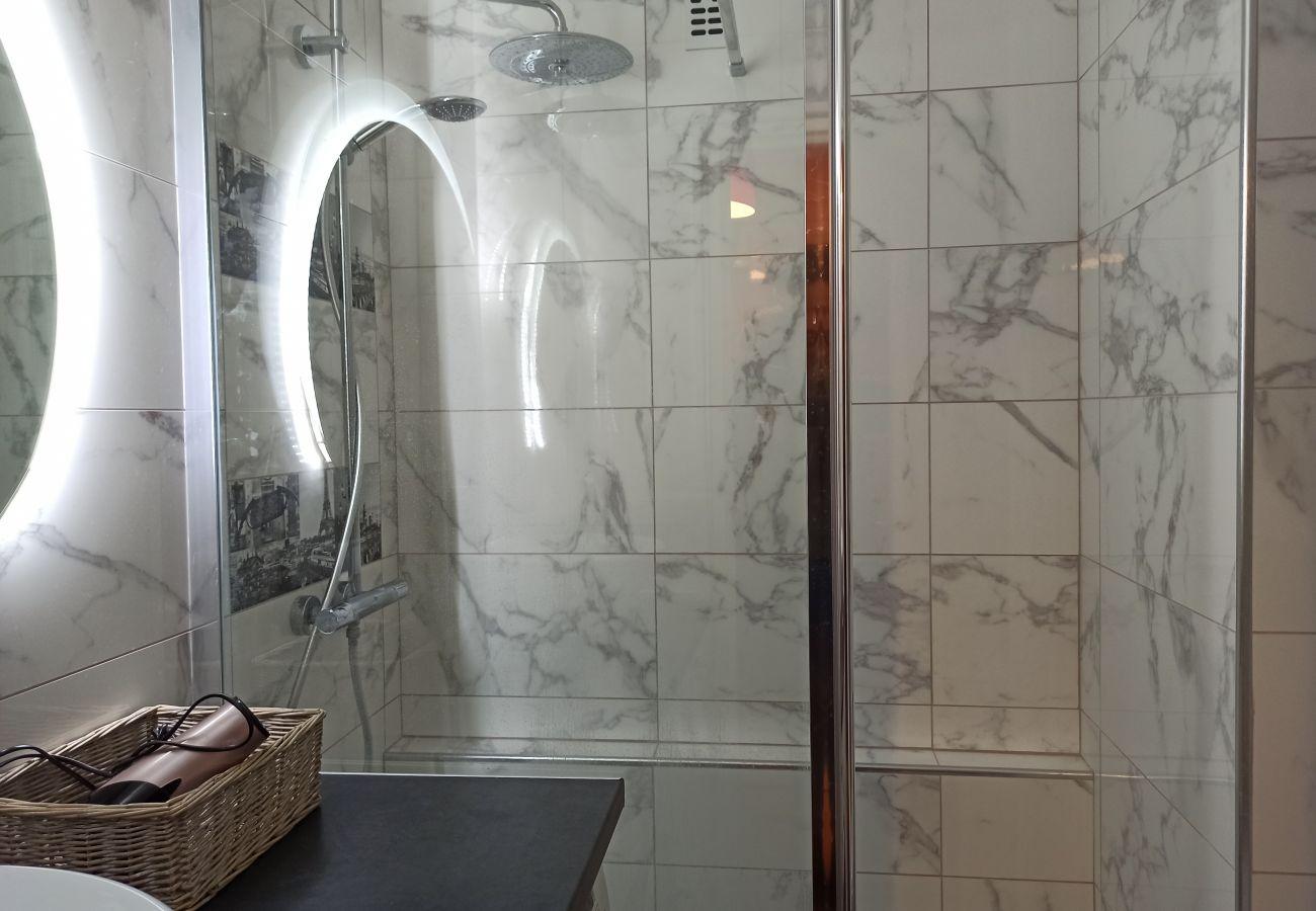 Apartment in Paris - Rue Saint Charles - Paris 15 - 115005