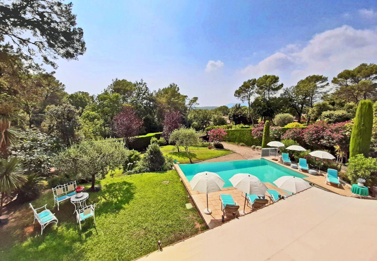 Villa in Roquefort-les-Pins - Lily of the Valley Villa near St Paul de Vence